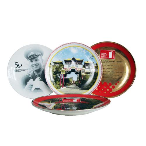 Деколь на сувенирных тарелках