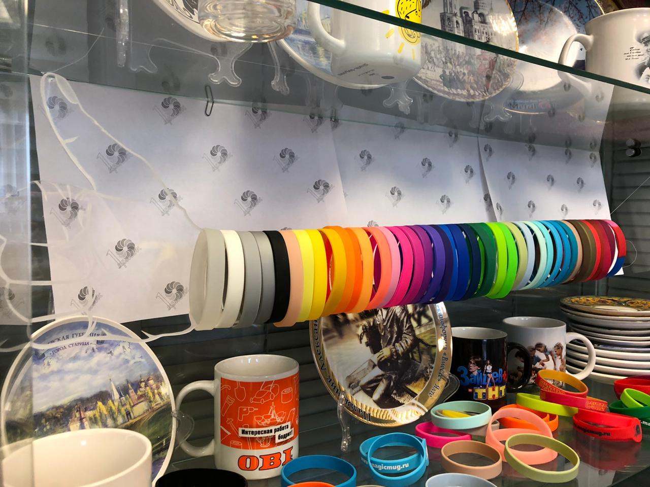 Весенние краски отражаются в нашей палитре силиконовых браслетов