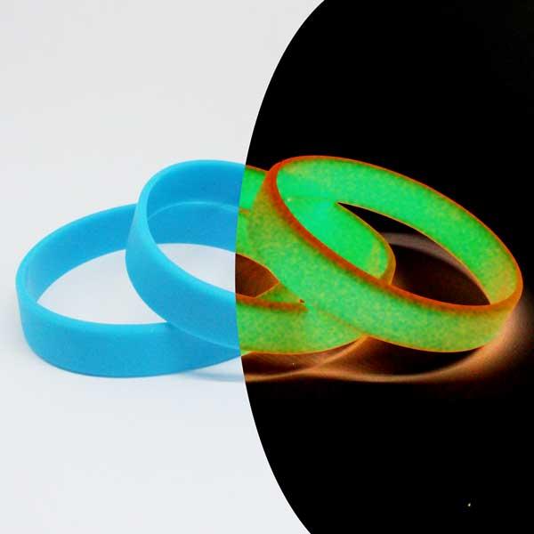 Браслеты силиконовые светящиеся с логотипом.