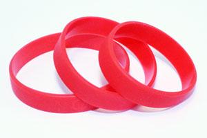 Изготовление силиконовых браслетов с вдавленным и прокрашенным логотипом